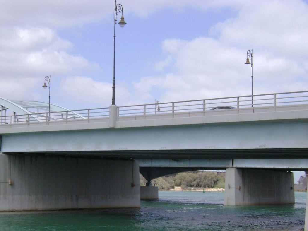Al Maqta Bridge