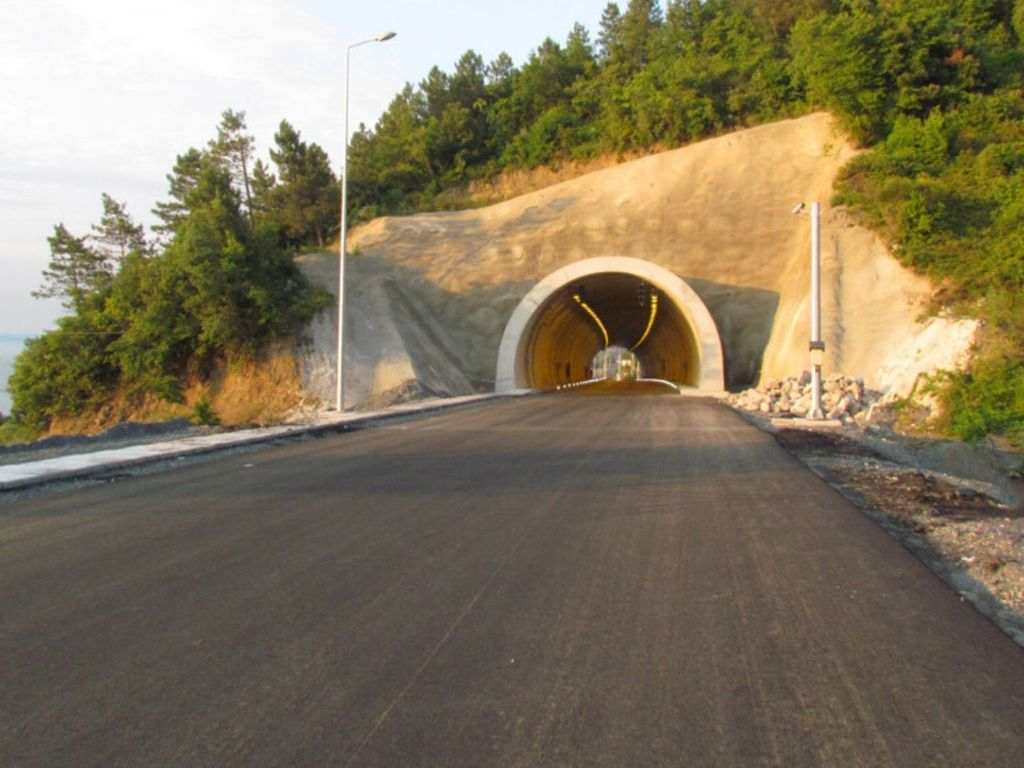 Akçakoca Tünelleri