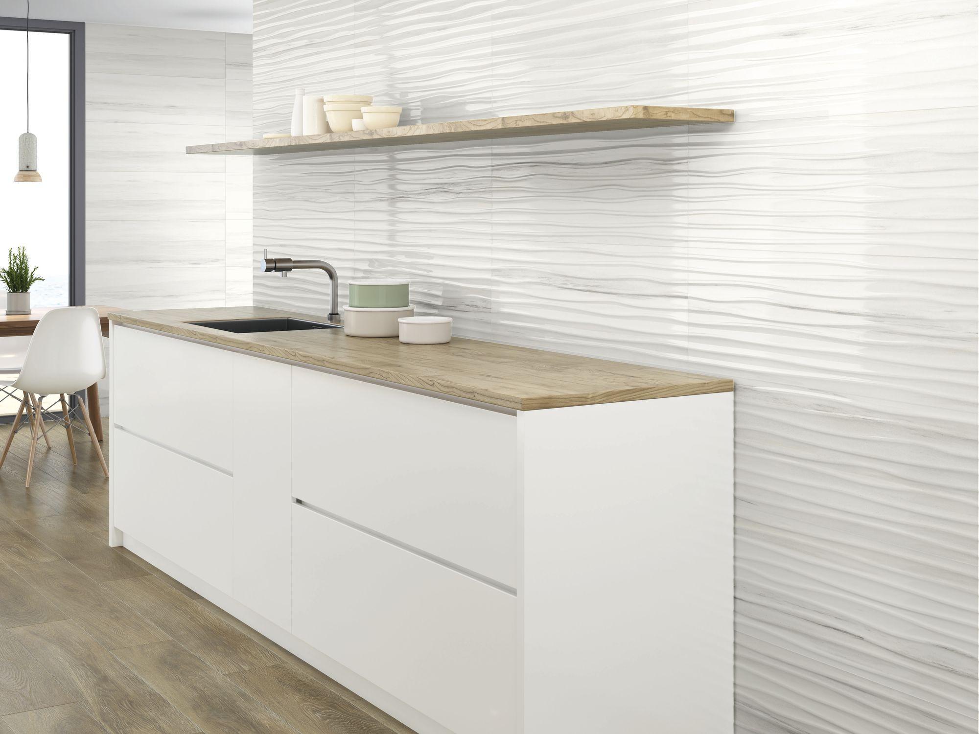 Riverdale Wellen white 30 x 90 cm. Riverdale white 30 x 90 cm.