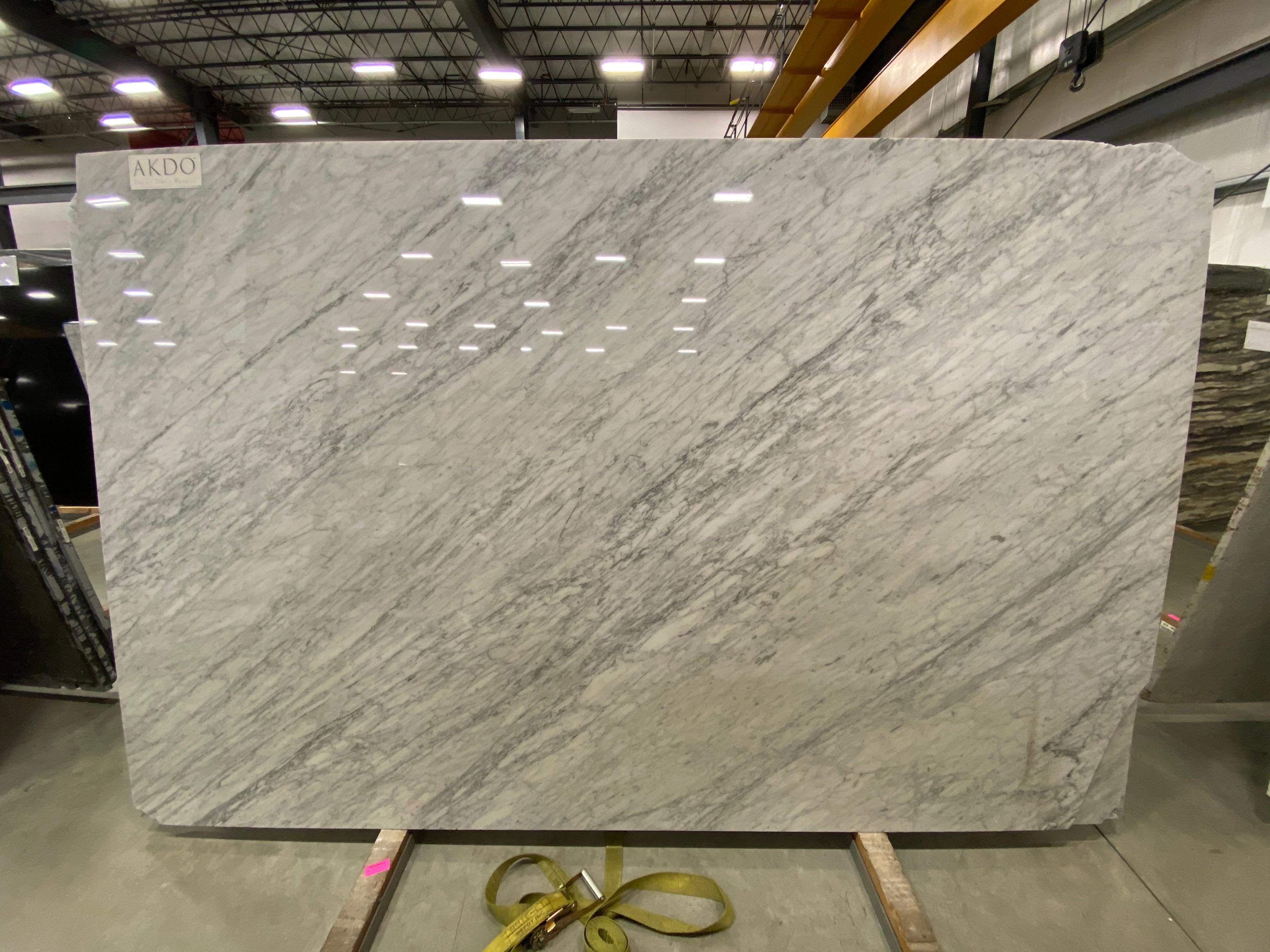 Carrara C Extra (P) 3/4'' Size: 120'' x 76'' Lot: 15204