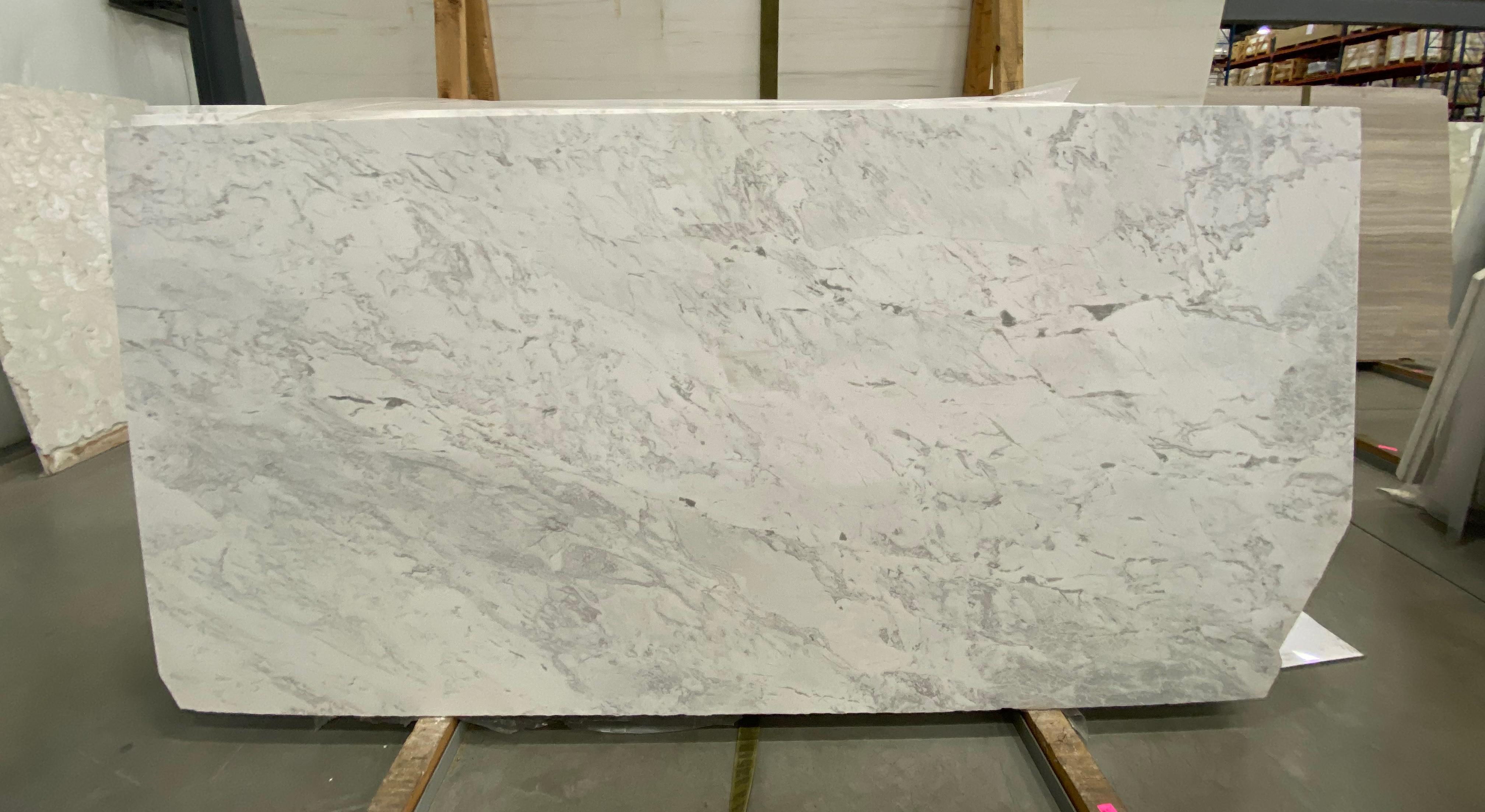 Artemis White (H) 1-1/4'' Size: 98'' x 53'' Lot: 19088