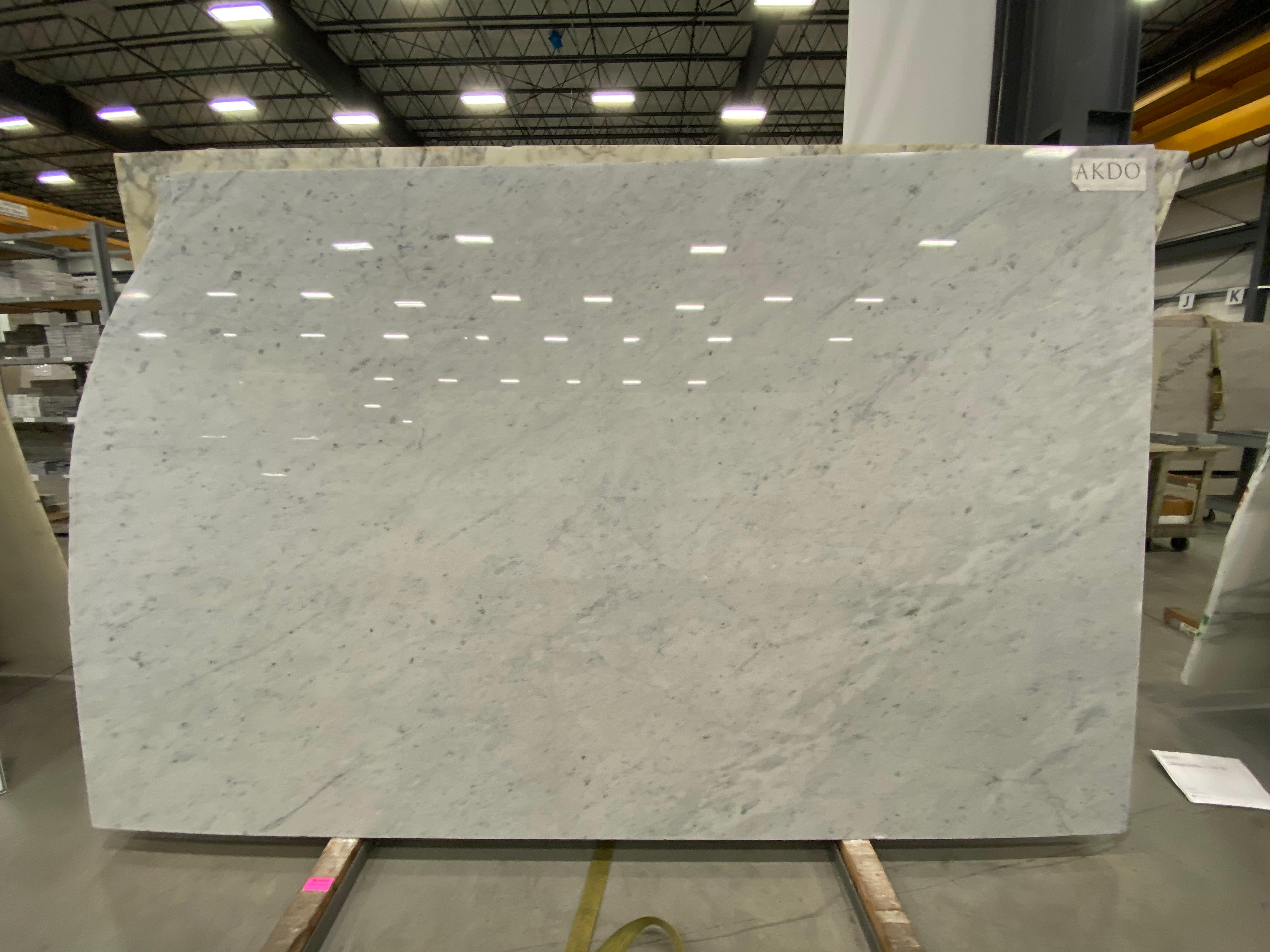 Carrara C Extra (P) 1 1/4'' Size: 105'' x 70'' Lot: 16169