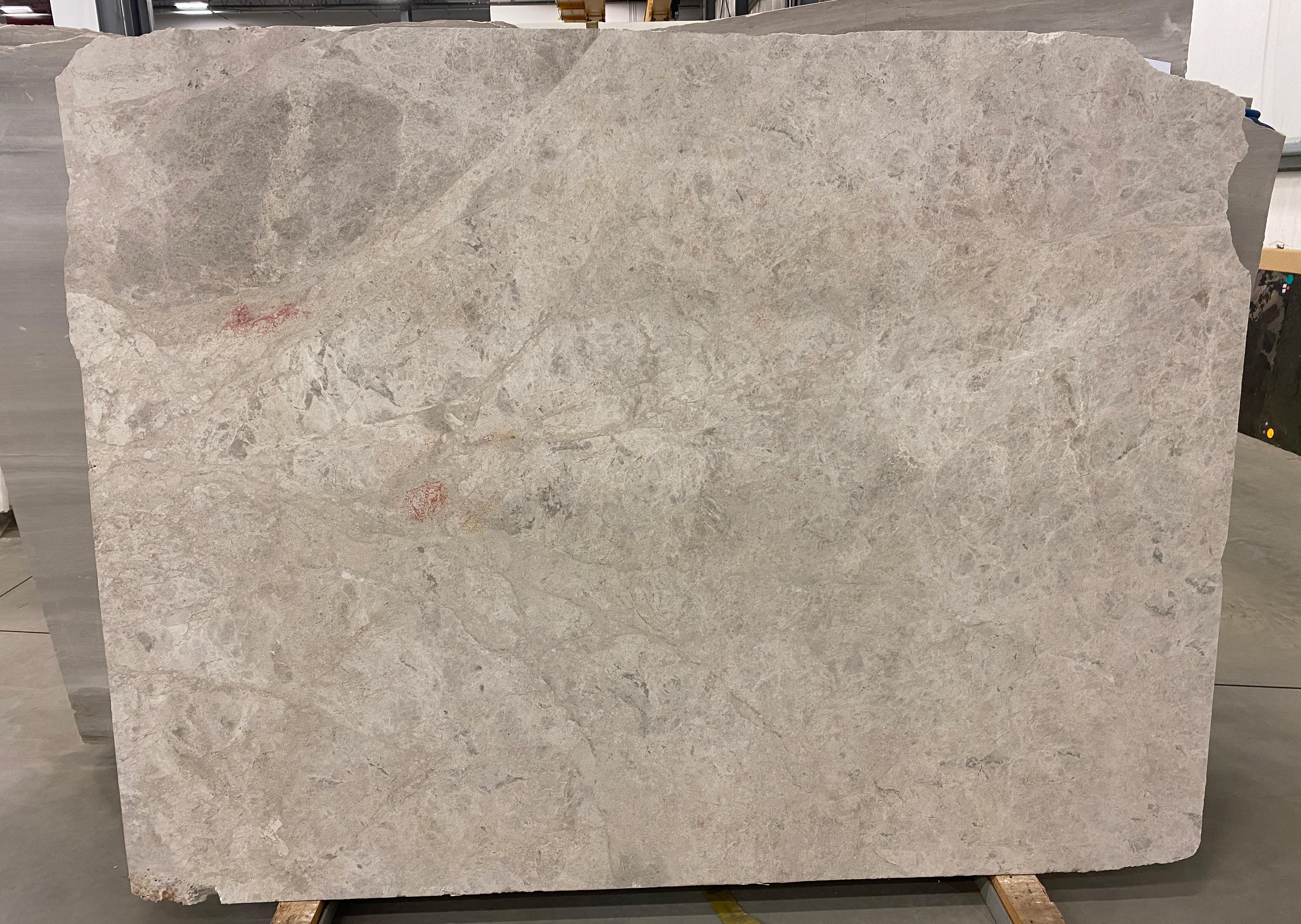 1 1/4'' Silver Stone (H) Size: 83'' x 61'' Lot: 17113