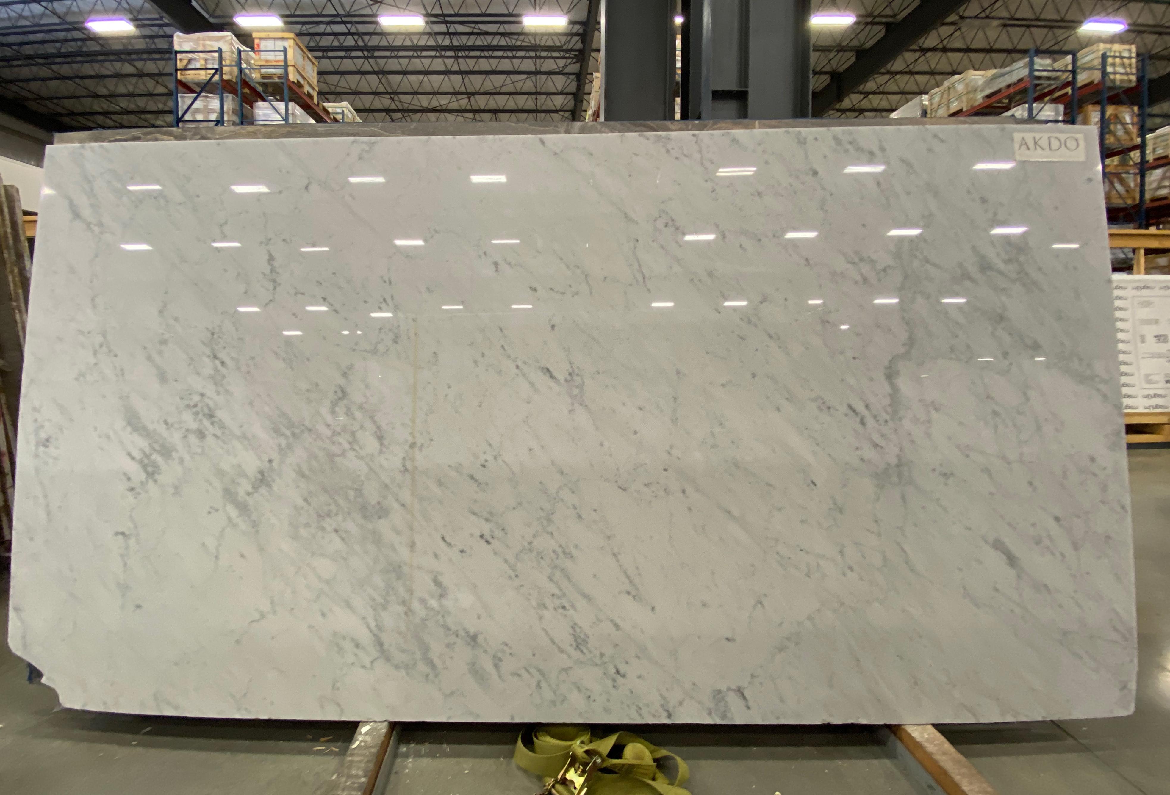 Carrara C Premium (P) 1-1/4'' Size: 119'' x 60''