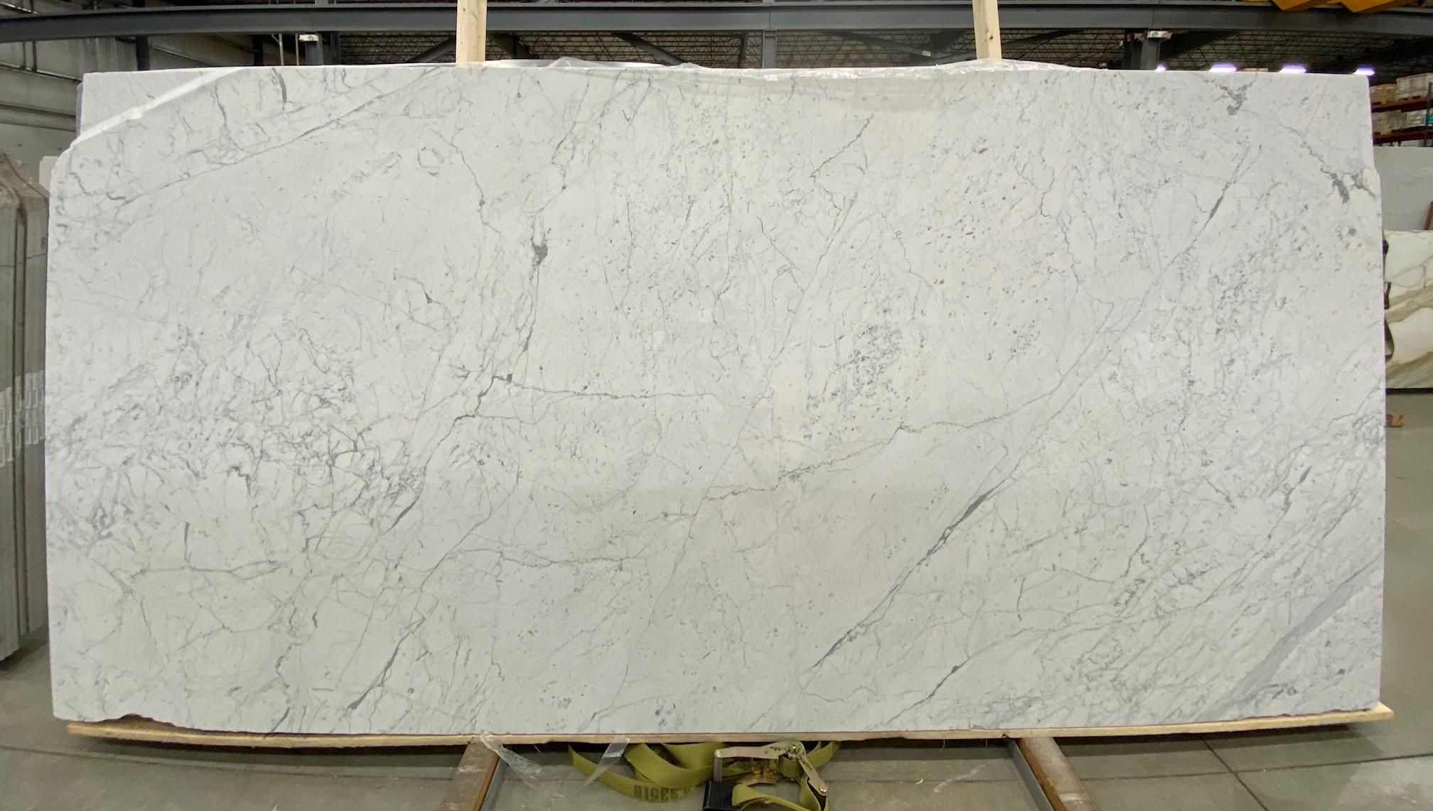 Carrara C Premium (H) 1 1/4'' Size: 130'' x 66'' Lot: 20161
