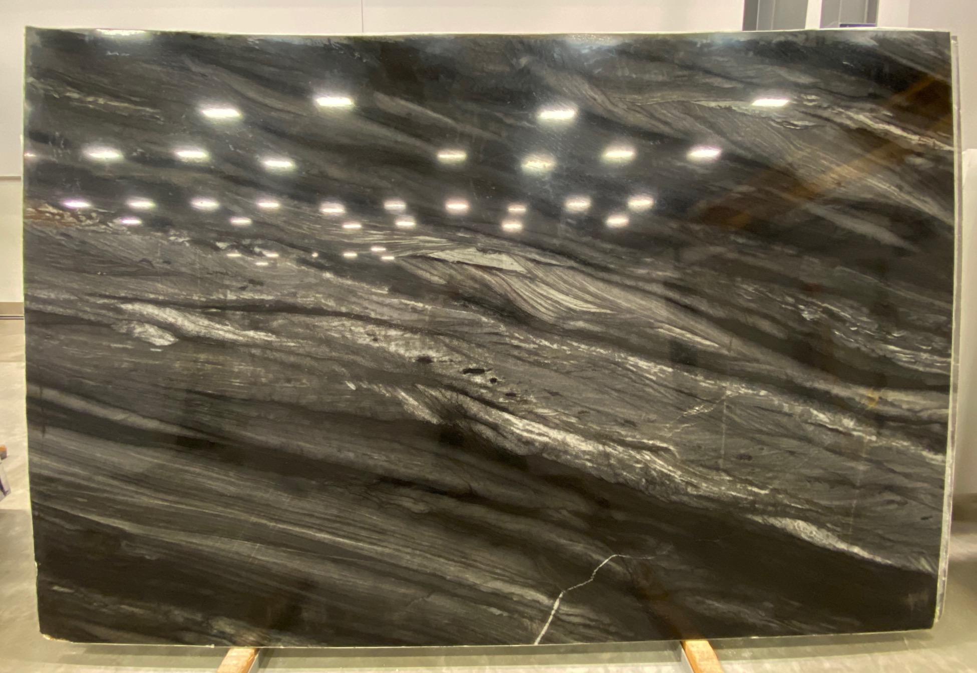Black Dream (P) 1 1/4'' Size: 117'' x 77'' Lot: 21110