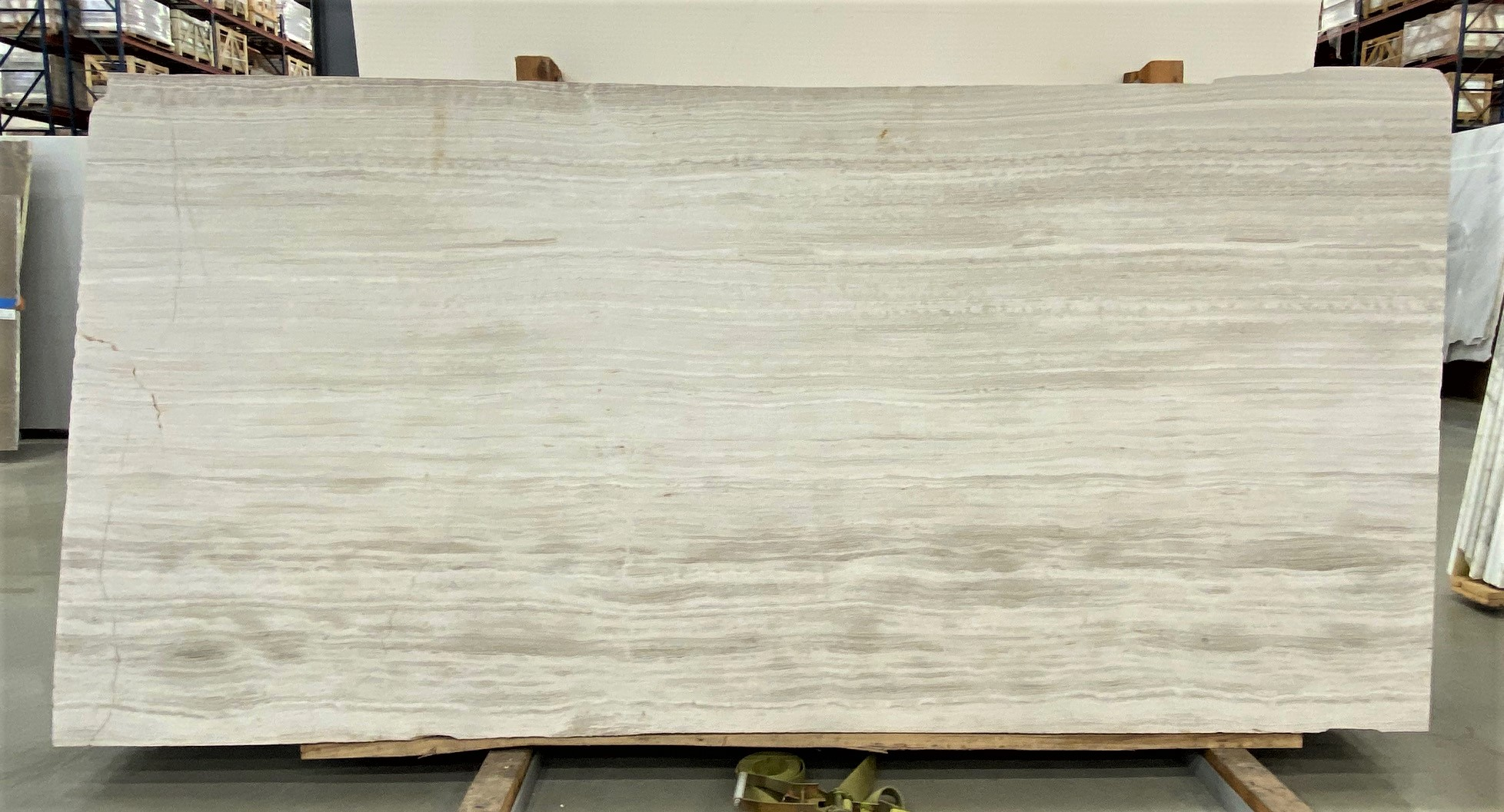 Cream Taupe VC (H) 1 1/4'' Size: 108'' x 51'' Lot: 21043