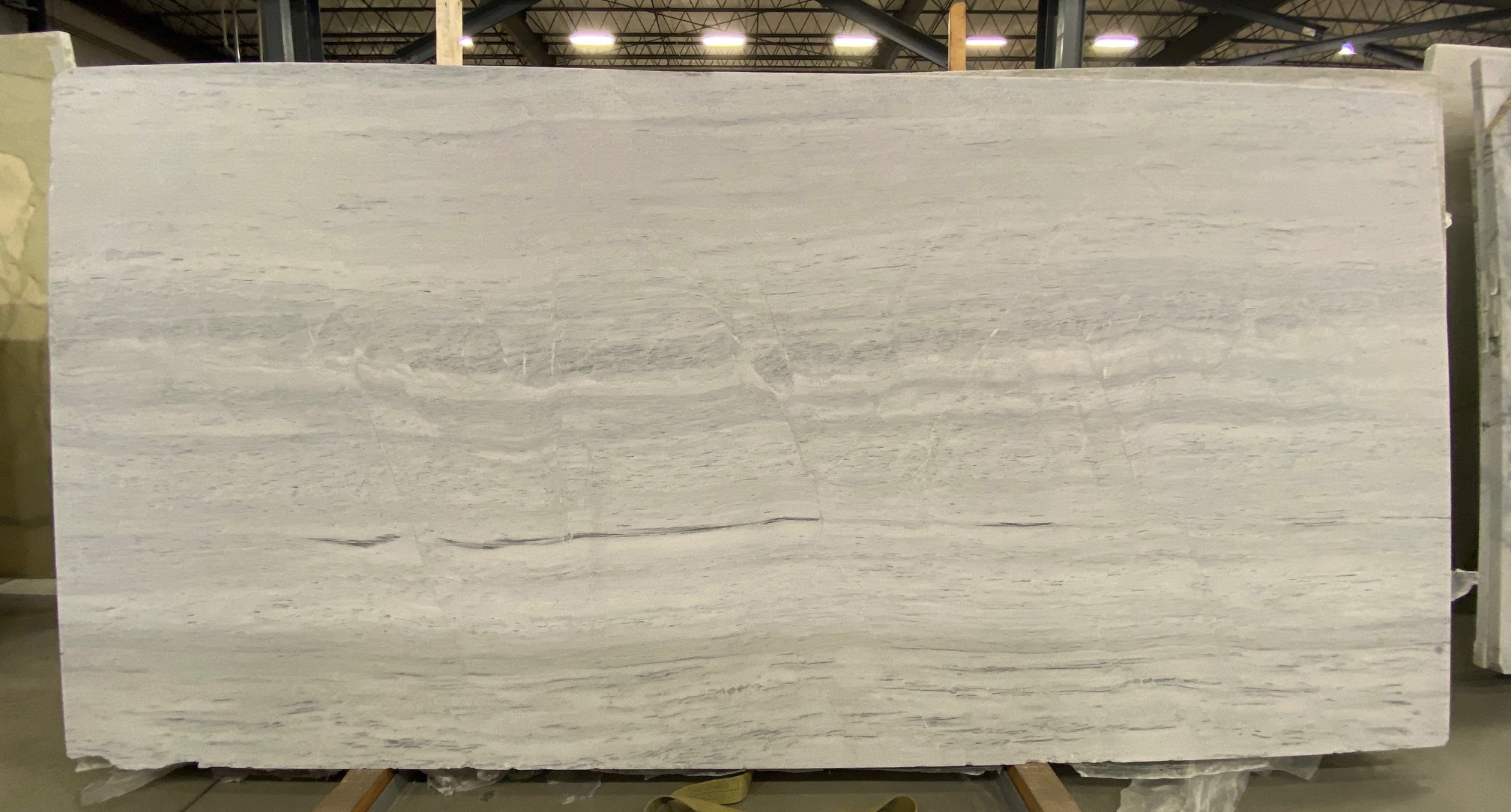 Ash Gray (H) 3/4'', Size: 101'' x 55'', Lot: 21084