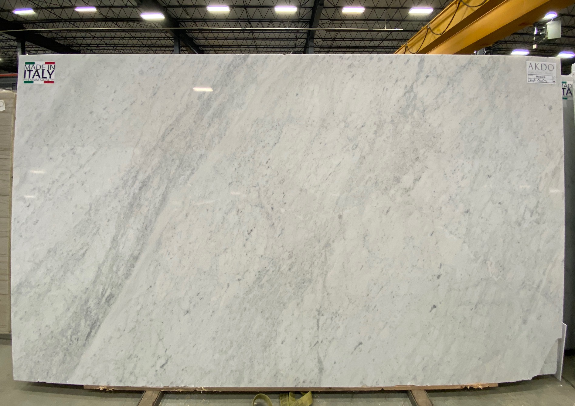 Carrara C Premium (P) 1 1/4'' Size: 132'' x 78'' Lot: 21016