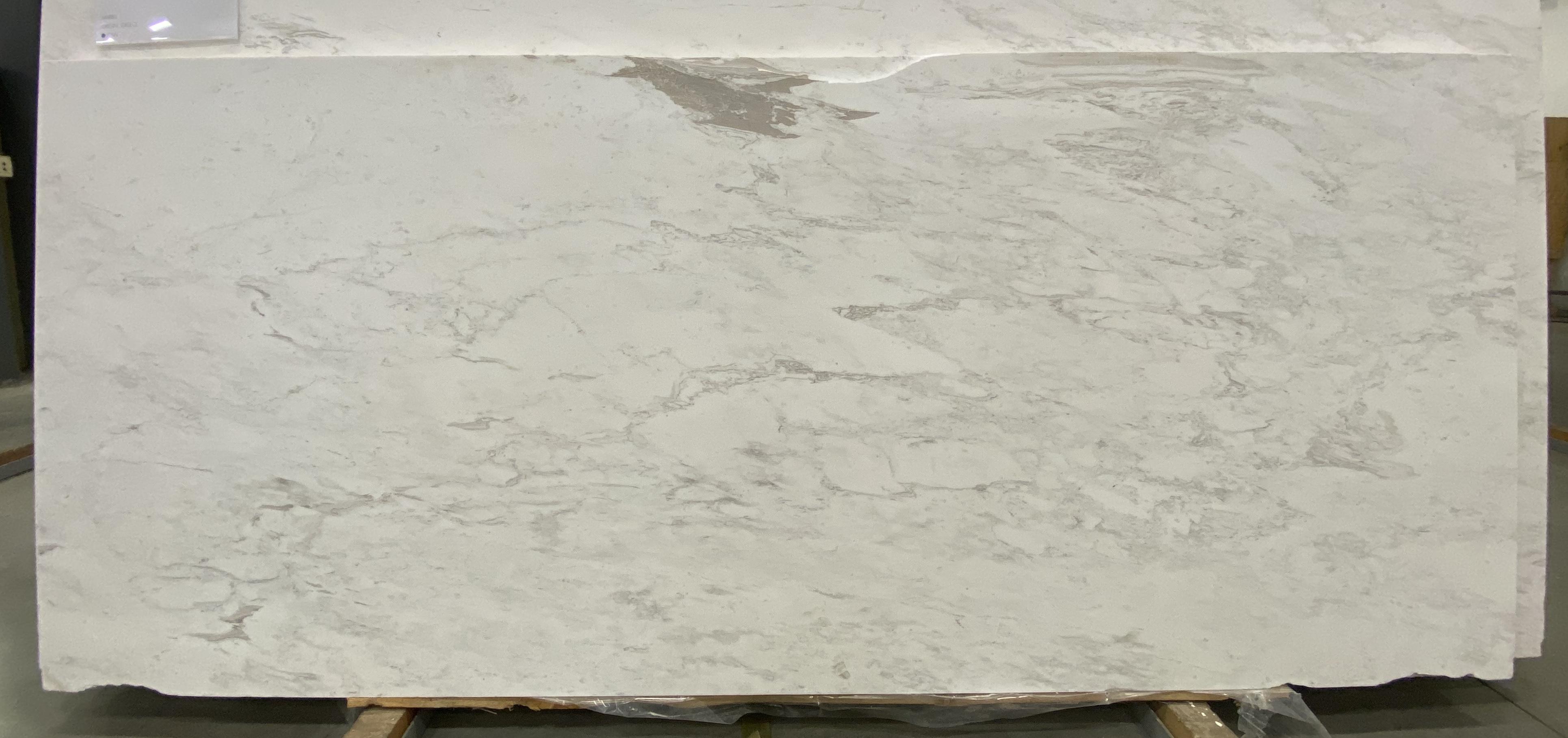 Artemis White (H) 3/4'' Size: 133' x 56'' Lot: 21114